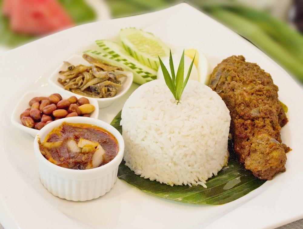Nasi-Lemak-with-Chicken-Rendang